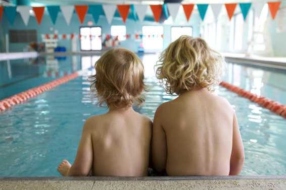 Swimming lessons for children's fear of water